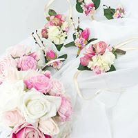 7 Wedding Flowers You'll Need for Your BIG Day