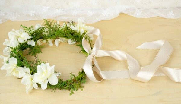 Artificial or fake flower crowns for your wedding day.